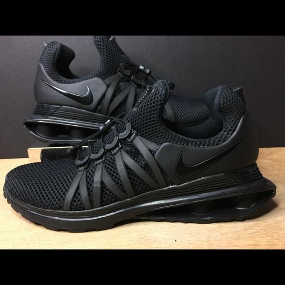 714284cfcb2 Nike Shox Gravity Triple Black AR1999-001